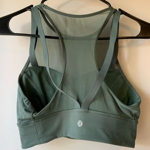 Like new Lululemon green bra / crop top size 6
